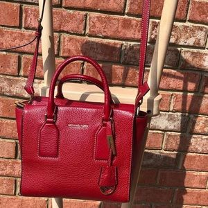 Michael Kors Tote w/detachable strap